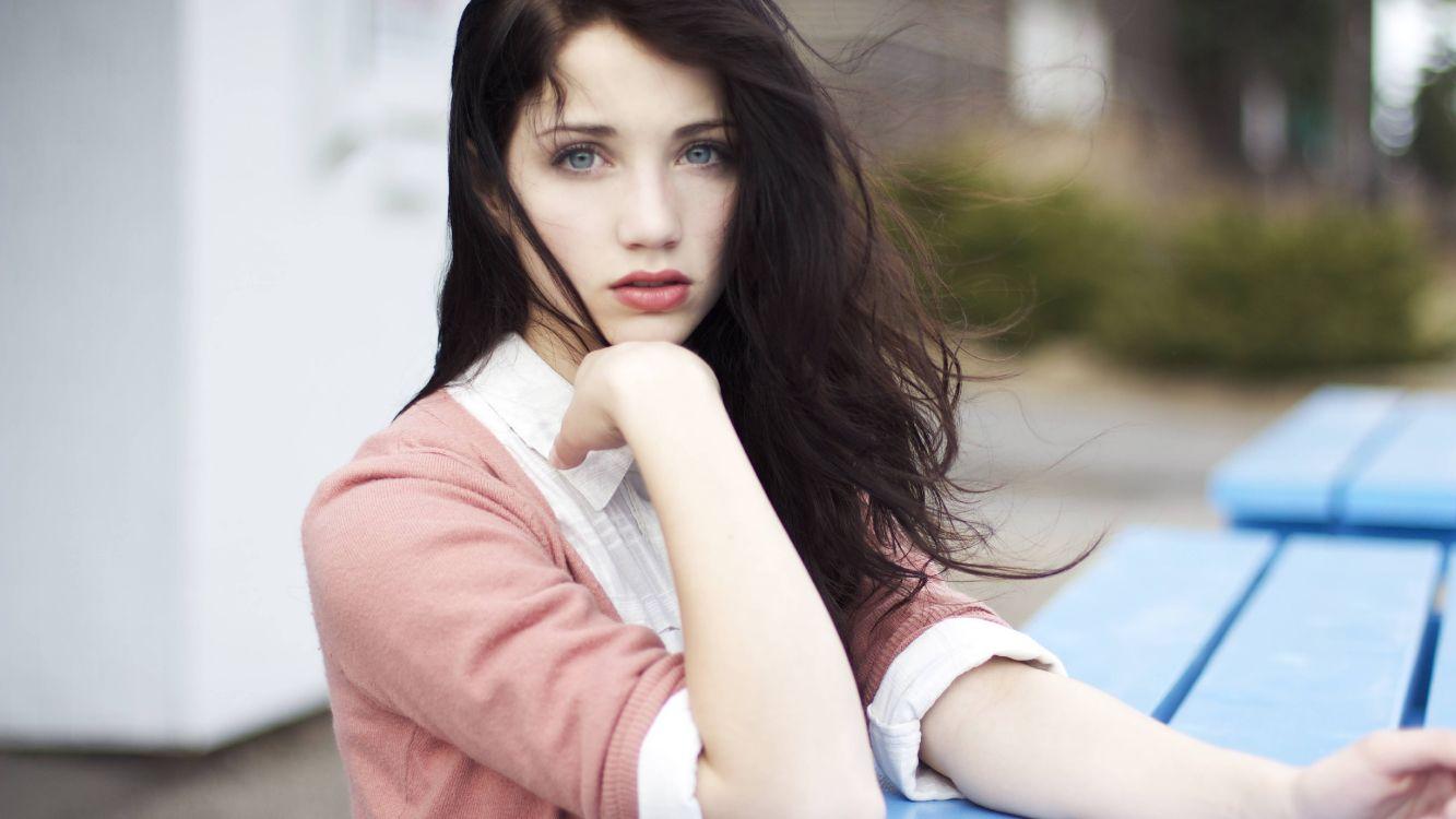 Haare schauspieler schwarze blaue augen Schwarze Haare